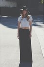 Black-floppy-hat-white-striped-crop-top-gray-maxi-skirt
