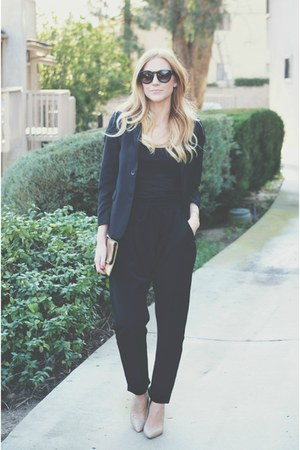 black vintage blazer - black tank top - black harem pants - nude shoemint pumps