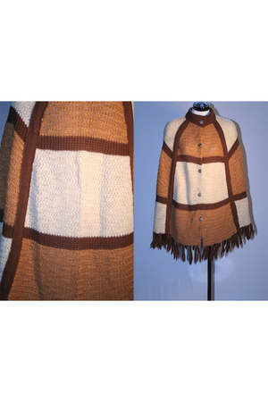 House of Style Vintage cape
