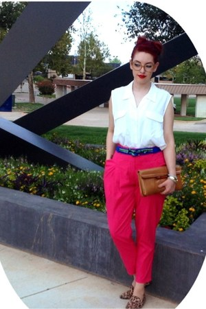 hot pink Ya pants - ivory blouse - light brown Candies loafers