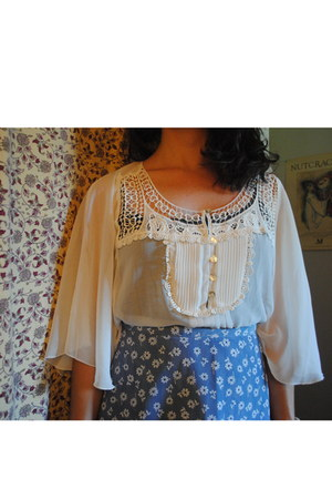 white lace TJ Maxx blouse - sky blue flowered thrifted vintage skirt