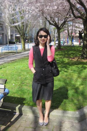 vintage skirt - H&M vest - Gap top - Nine West pumps