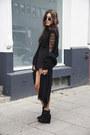 Black-zalando-boots-black-ray-ban-sunglasses-black-missguided-bodysuit