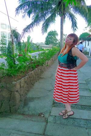 carrot orange skirt - turquoise blue top - bronze sandals - black vest