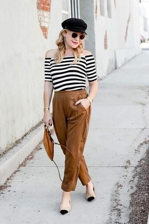 bronze slouchy Thacker NYC pants - black striped Splendid top