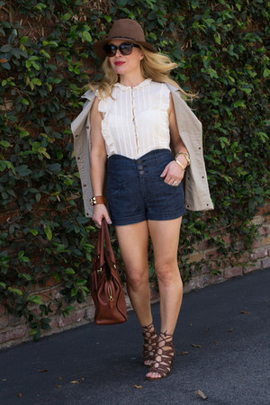 off white ruffled Marc by Marc Jacobs shirt - navy high waisted Aritzia shorts