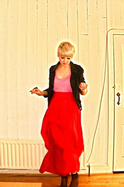 H&M vest - Zara skirt