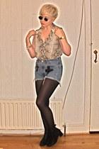 vintage boots - Levis shorts - vintage sunglasses - vintage blouse