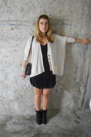 black faux leather new look boots - black chiffon Terranova skirt