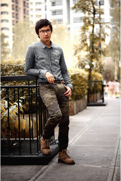 burnt orange steel toe boots - silver ombre shirt - army green camouflage pants