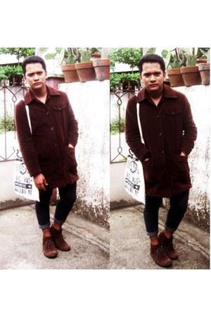 dark brown trench coat banana republic coat - dark brown desert boots Zara boots
