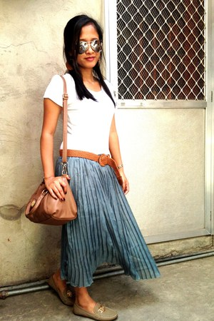 long pleated skirt - loafer-like shoes - plain shirt - shoulder bag bag