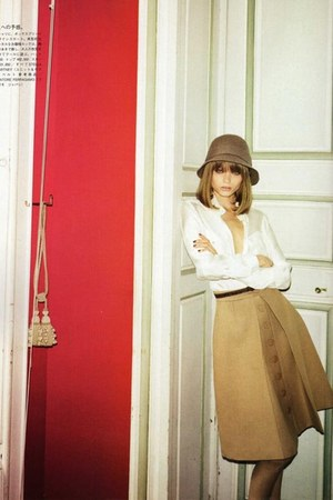 camel skirt - light brown hat - ivory blouse