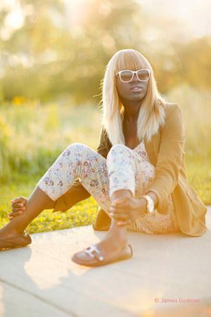 dark khaki YSL blazer - off white Burberry sunglasses - off white H&M jumper