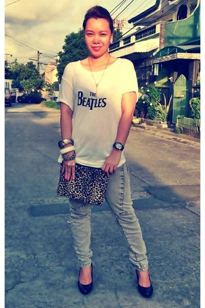 white oversized shirt - dark brown leopard print purse - heather gray Mango pant