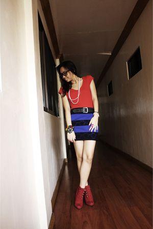 red Zara top - blue Pink Manila skirt - red Steve Madden shoes