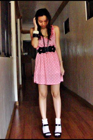 pink Zara dress - black Forever 21 belt - black Steve Madden shoes