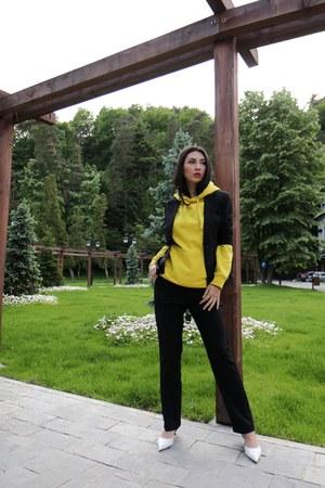 BonPrix suit - Zara heels