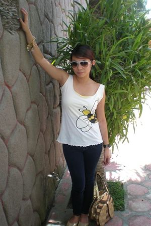 white supre blouse - white Ray Ban sunglasses - blue Lee jeans - gold Gola shoes