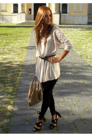beige H&M top - black H&M leggings - black H&M shoes - gold Topshop accessories