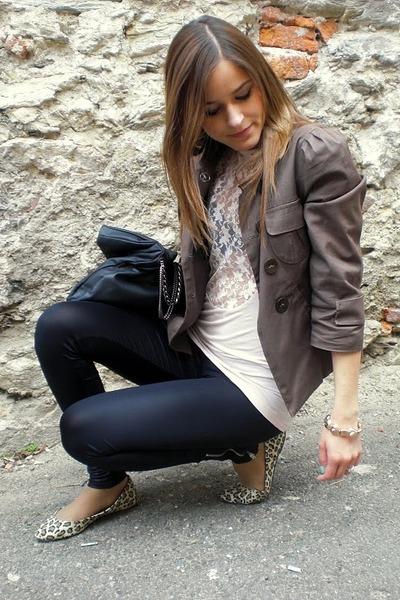 pink top - black leggings - brown blazer - black purse