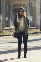 dark gray luana boots Dr Martens boots - army green anorak Forever 21 coat