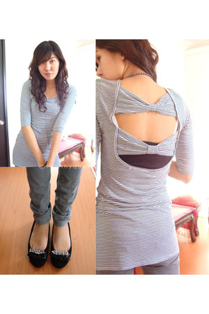 black MS blouse - heather gray New Yorker jeans - black shoes