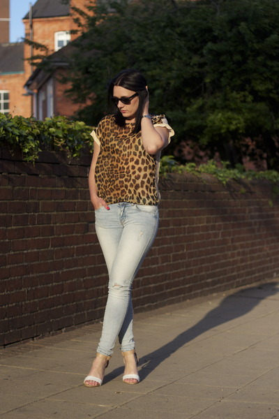 Zara top - Zara jeans - Zara sandals