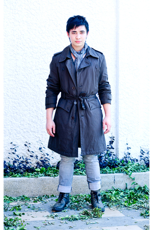 silver Zara jeans - gray Linea Italia boots - brown I cant tell you where coat -