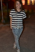 ivory sandals - light blue Guess pants - navy loose stripes t-shirt