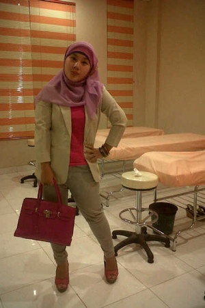 blazer - scarf - bag - wedges