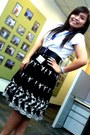 Forever-21-belt-old-navy-t-shirt-thrift-shop-skirt