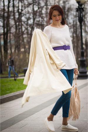 white idaLaida coat - navy Mango jeans - neutral H&M bag - white Mango jumper
