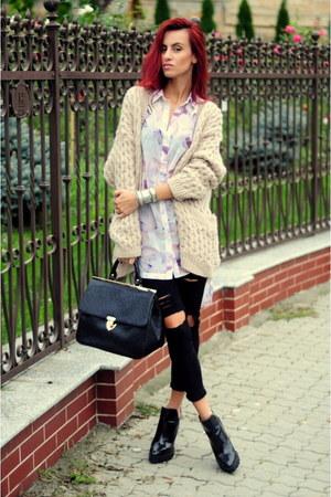 jeans - shirt - bag