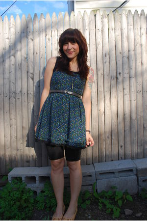 black kensiegirl shorts - beige modcloth shoes - green kensiegirl dress