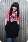 Black-kensie-skirt-blue-f21-scarf-red-h-m-shirt-black-thrifted-boots-gra