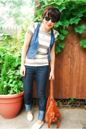 blue denim Forever21 vest - white TOMS shoes - blue Forever21 jeans
