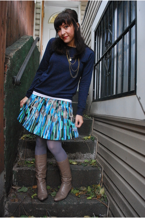 f21 sweater - kensie skirt - HUE tights - UO necklace - vintage boots