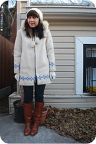 white Opasquia coat - blue kensie jeans - brown Dexter boots - white Tulle glove