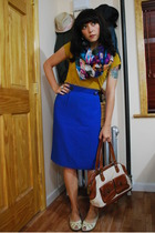 forever 21 t-shirt - vintage skirt - Bindya scarf - Cole Haan purse