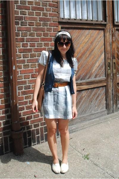 gray vintage dress - white TOMS shoes - brown vintage purse