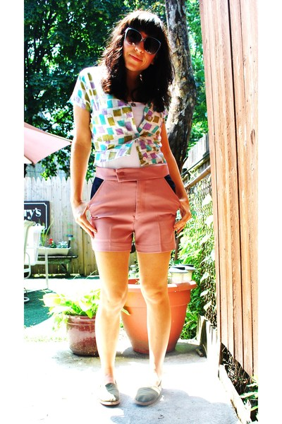 vintage blouse - barbados shorts - TOMS shoes - vintage sunglasses