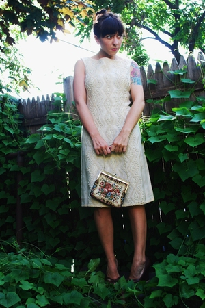 vintage dress - vintage purse - Dolce Vita shoes
