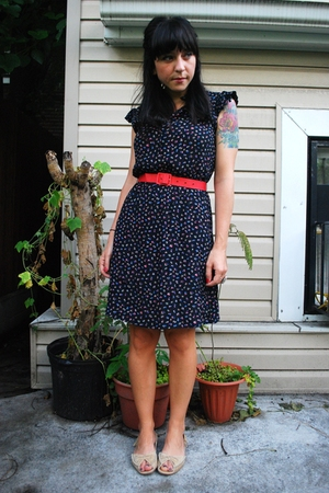vintage dress - vintage belt - boutique shoes