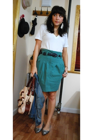 American Apparel t-shirt - H&M skirt - vintage belt - Zara shoes - cynthia rowle