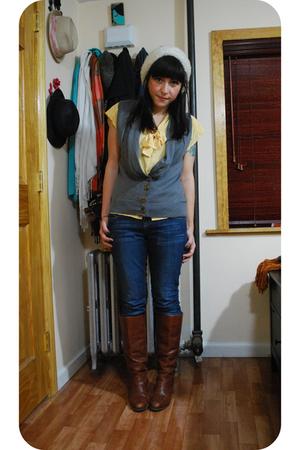 vintage blouse - kensie jeans - Dexter boots - kensie vest