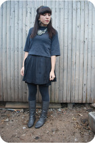 black kensie skirt - gray kensie top - gray kensie leggings - silver Charlotte R