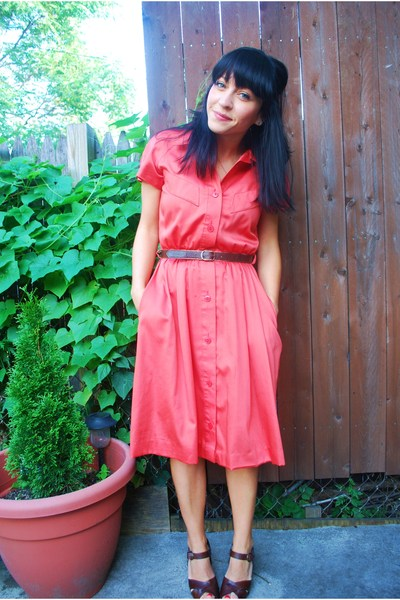 vintage dress - thirfted belt