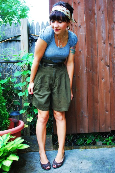 vintage shorts - kensiegirl t-shirt - vintage scarf - Payless shoes