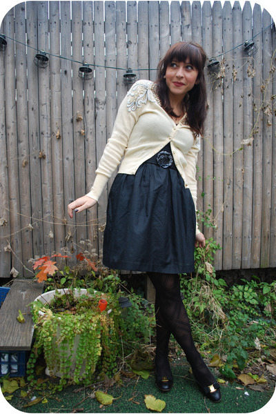 kensie dress - vintage sweater - Salavator ferragamo shoes - f21 tights